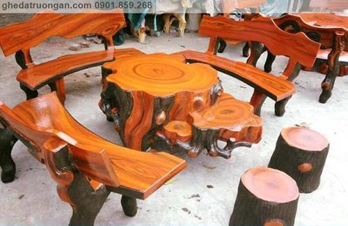 bàn ghế đá giả gỗ sân vườn