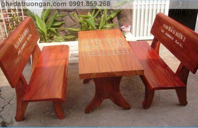 Bộ bàn ghế đá giả gỗ giá rẻ