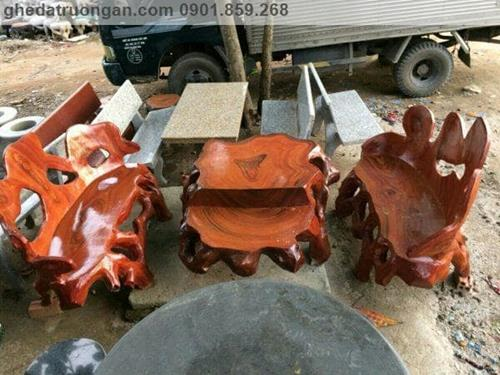 bàn ghế đá giả gỗ công viên