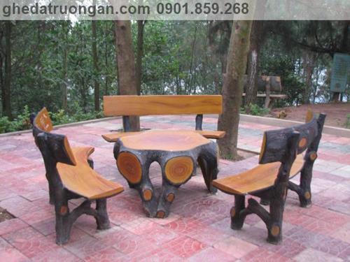 Bàn ghế đá giả gỗ sân vườn ngoài trời