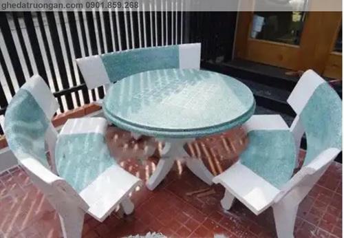 Bộ bàn ghế đá mài tròn trắng xanh lá