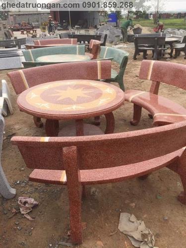 bàn ghế đá giá rẻ tròn đỏ vàng