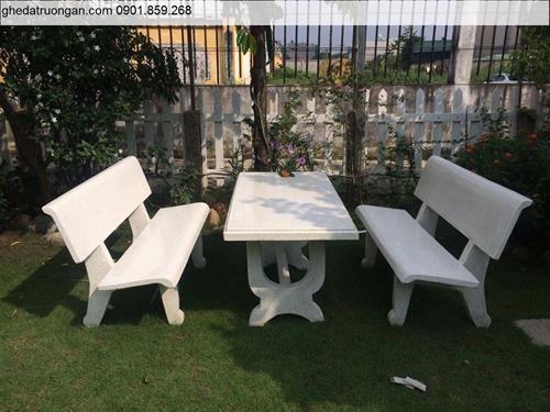 Bộ bàn ghế đá sân vườn màu trắng