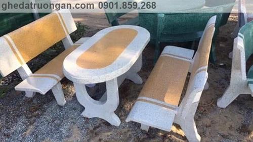 bàn ghế đá trường học bo góc trắng vàng