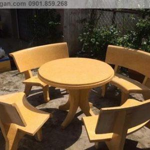 bộ bàn ghế đá ngoài trời đẹp tròn vàng