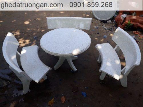 Bộ bàn ghế đá tròn
