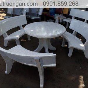 bàn ghế đá công viên tròn trắng
