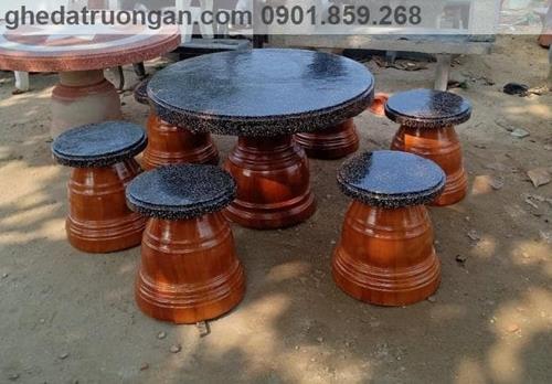 bàn ghế đá mài Granito