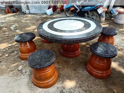 bàn ghế đá mài granito tphcm