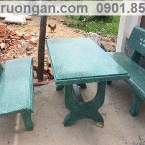 bàn ghế đá trường học màu xanh
