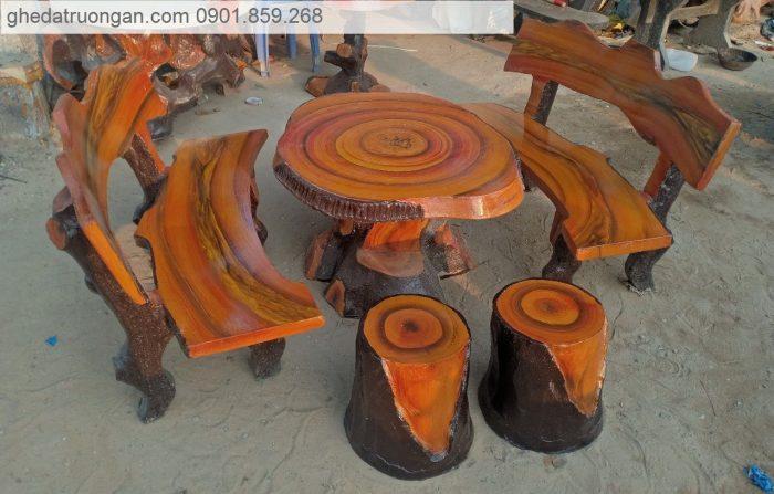 Bộ bàn ghế đá giả gỗ tphcm