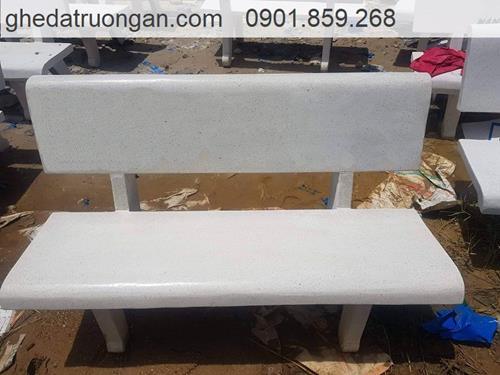 ghế đá công viên trắng