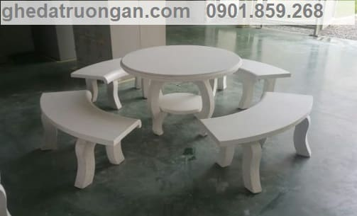 bàn ghế đá không tựa tròn trắng rất đẹp