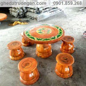 bàn ghế đá giả gỗ khu vực tphcm