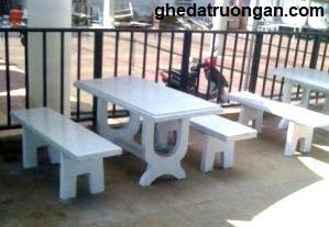 bàn ghế đá không tựa trắng
