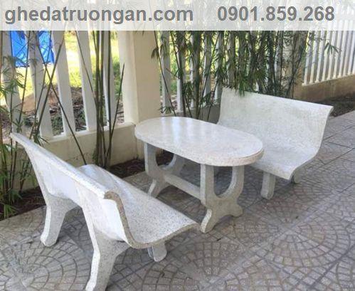bàn ghế đá liền tựa