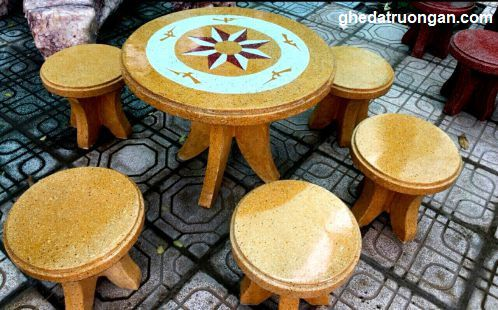 bàn ghế đá nhỏ gọn