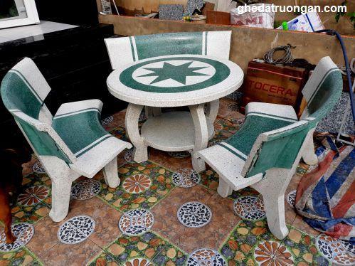 bàn ghế đá sân vườn chân hà nội trắng xanh