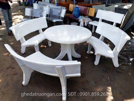 bộ ghế đá tròn trắng
