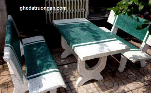 bàn ghế đá vật liệu xây dựng tặng