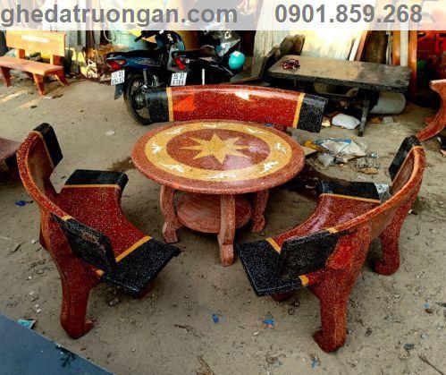bàn ghế đá đẹp tròn cong hai màu mài hai mặt