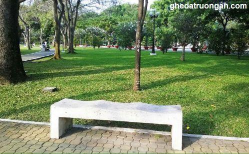 ghế đá công viên không tựa trắng